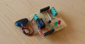Selbstbau-Shield mmit einfachem Wechselrelais und zwei LED